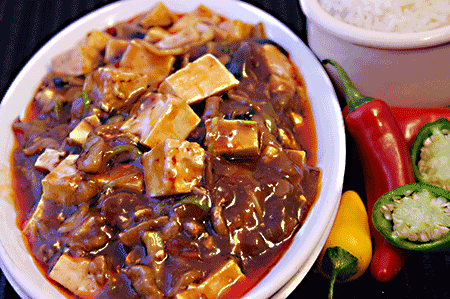 麻婆豆腐 Beancurd with Minced Beef in Hot & Spicy Sauce